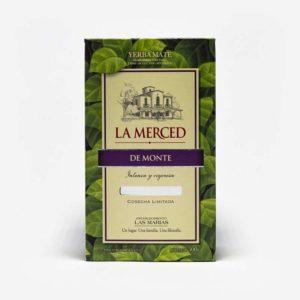 Erva-mate La Merced de Monte 500 gramas de frente caixa em folhas de erva-mate verde. Ao centro escrito La Merced de Monte. Fundo da imagem em cinza claro.