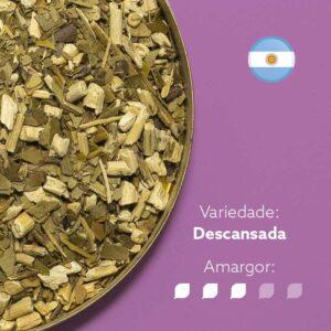 Erva-mate La Merced Monte em uma tampa tampa. Fundo roxo e bandeira argentina no canto superior direito. Em escrito: Variedade Descansada. Amargor nível 3 de 5.