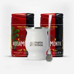 Kit uma cuia inox branca, uma bomba inox e duas erva-mates rosamonte, em fundo branco de frente. Ervas rosamonte de 500 gramas. Pacotes vermelhos e pretos.