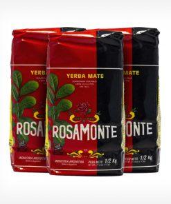 3 Pacotes vermelhos e pretos da Rosamonte de frente. Erva-mate Argentina de 500g. Fundo da imagem em cinza claro.