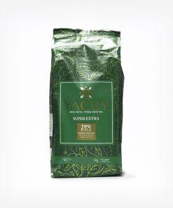 Pacote de Erva-mate Yacuy Super Extra padrão Uruguaio descansada em fundo branco. Pacote verde escuro com os dizeres: Yacuy Erva-mate Tea 1 quilograma peso líquido. Tipo P.U.1, uruguaia.
